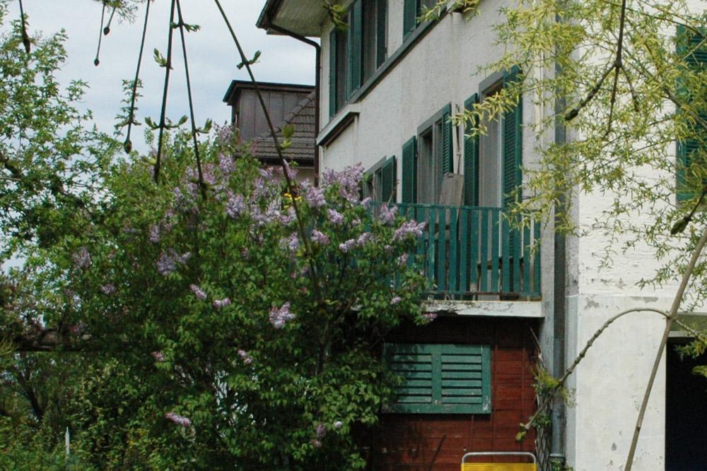 Haus_mit_Balkon